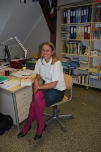 Eriline õpetaja: Koolis tunneb Heleni ära tema värviliste sukkade ja naeratuse järgi. Foto: Mari-Liis Kullamaa.